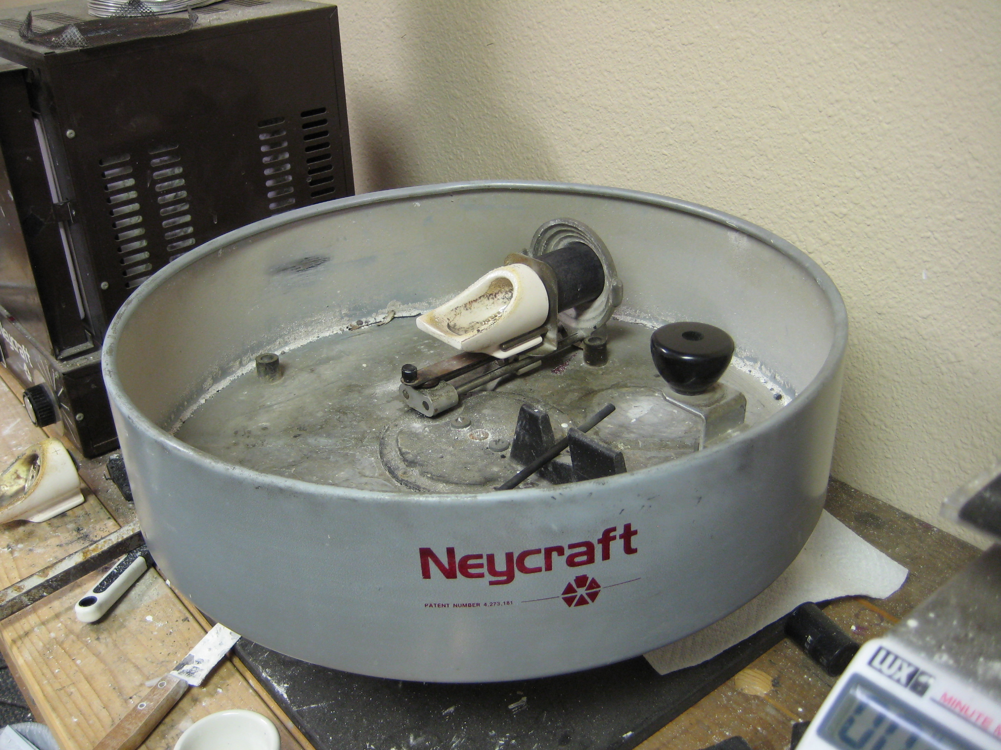This is the centrifuge which drives the molten metal into the flask.