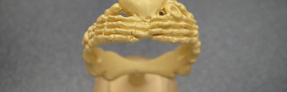 The cleaned 18K Gold Claddagh casting.